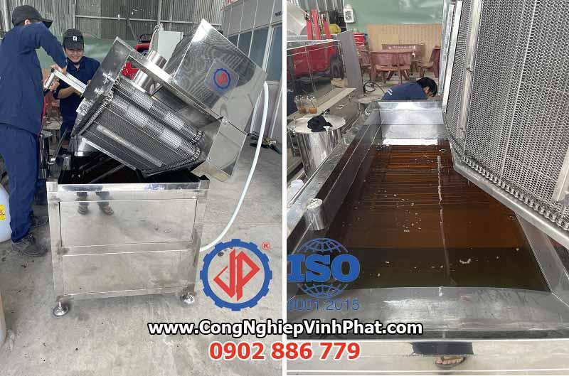 Máy chiên băng tải Vĩnh Phát thiết kế dễ dàng vệ sinh sau khi sử dụng