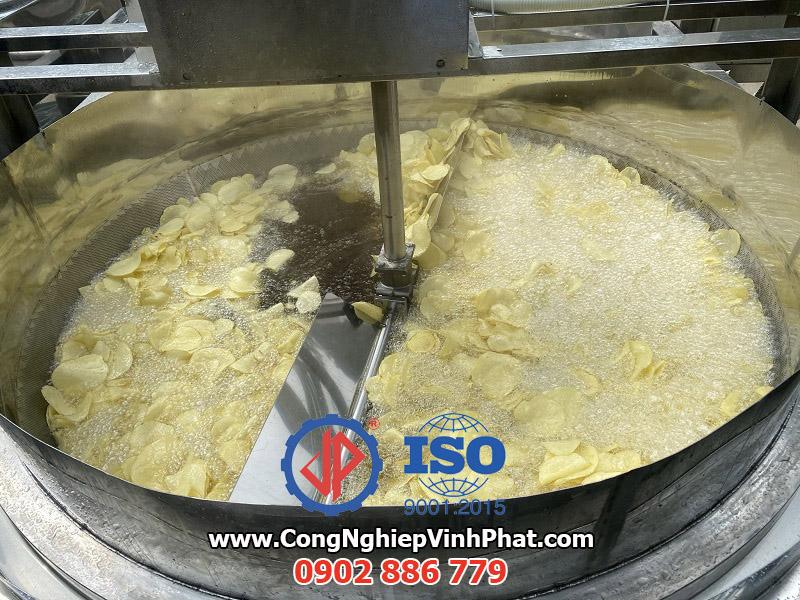 Máy chiên khoai tây, máy chiên hành phi công nghiệp Vĩnh Phát giá rẻ, chất lượng tốt
