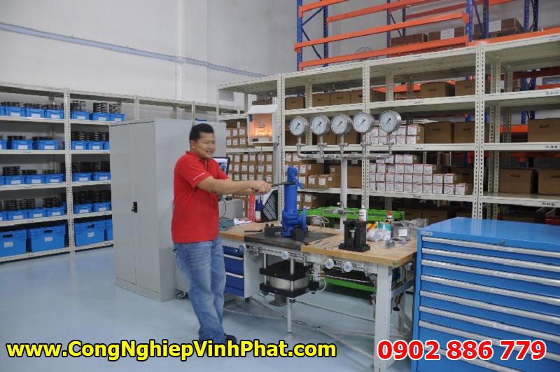 Kiểm tra van an toàn Leser áp lực cao trước khi giao hàng
