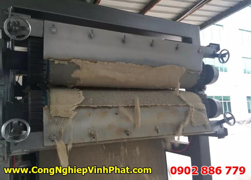 Máy ép bùn băng tải giá rẻ, hiệu quả cao do Vĩnh Phát sản xuất